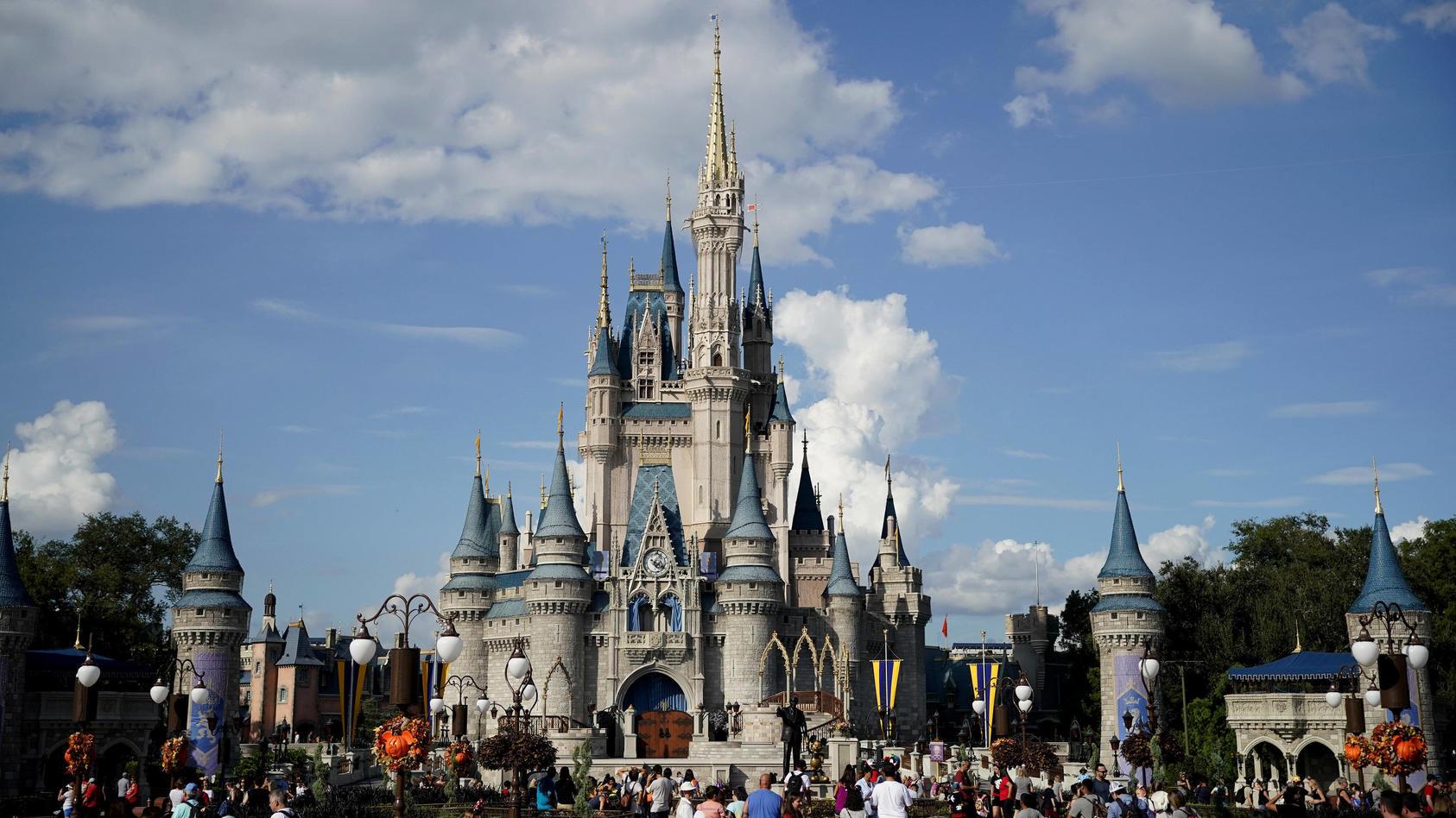 Die Anruferin tat so, als wolle sie Tickets für einen Disney-World-Themenpark buchen (Archivbild).