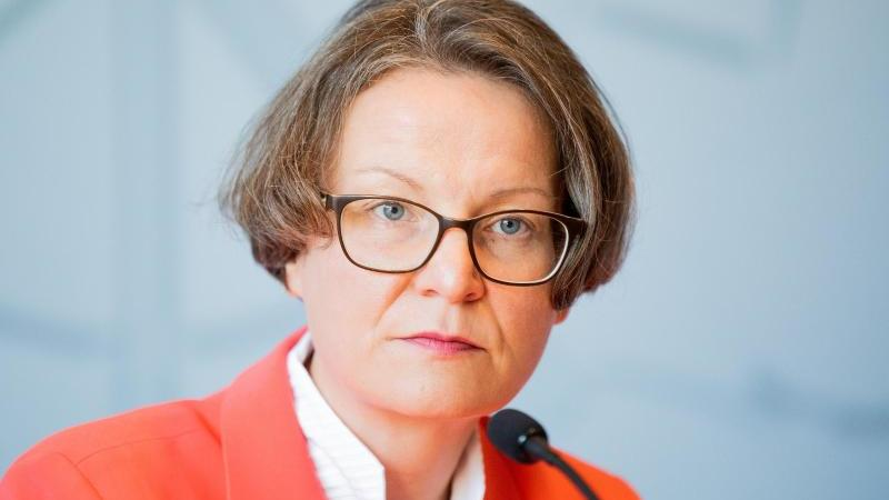 Ina Scharrenbach (CDU), Kommunalministerin in Nordrhein-Westfalen. Foto: Rolf Vennenbernd/dpa/Archivbild