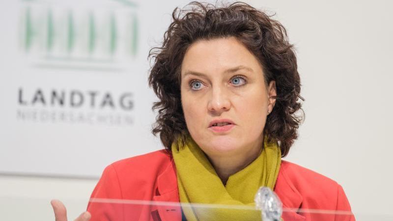 Carola Reimann (SPD), Niedersächsische Gesundheitsministerin, spricht. Foto: Ole Spata/dpa/Archivbild