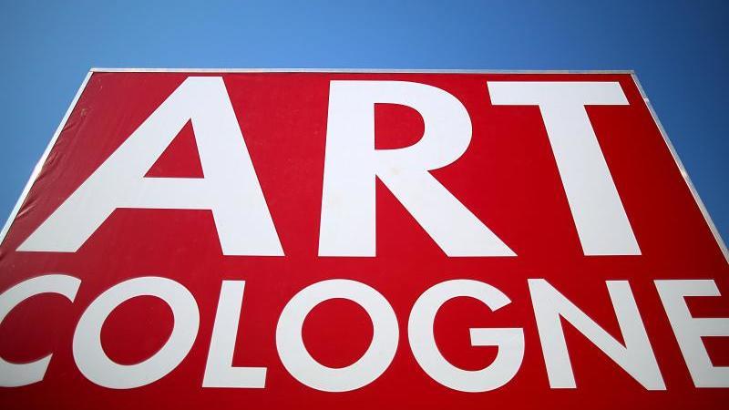 Die Kunstmesse Art Cologne soll jetzt im November stattfinden. Foto: Oliver Berg/dpa