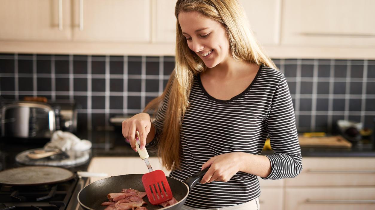 Die richtigen Zutaten sorgen dafür, dass Fleisch beim Braten zart wird.