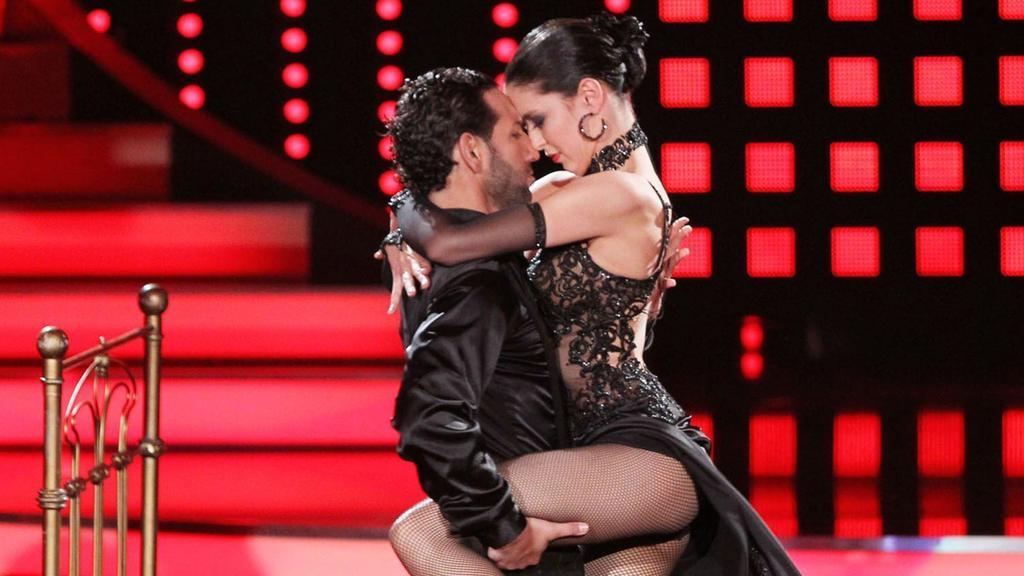 13904843Hot! Massimo und Rebecca hauten Jury und Zuschauer Woche für Woche mit ihren Performances um.