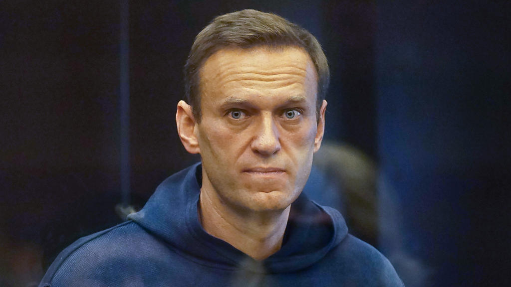 HANDOUT - 02.02.2021, Russland, Moskau: Der Oppositionsaktivist Alexej Nawalny erscheint im Moskauer Stadtgericht zu einer Anhörung vor dem Simonowski-Bezirksgericht über einen Antrag des russischen Föderalen Strafvollzugsdienstes, seine zur Bewährun