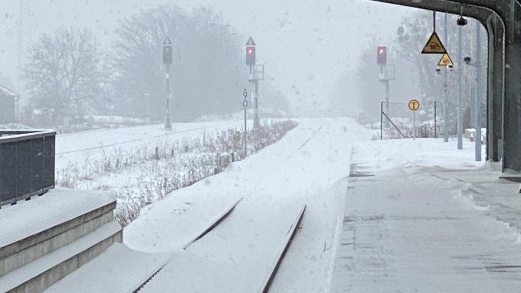 Schneechaos: Nichts geht mehr am Bahnhof in Werningerode