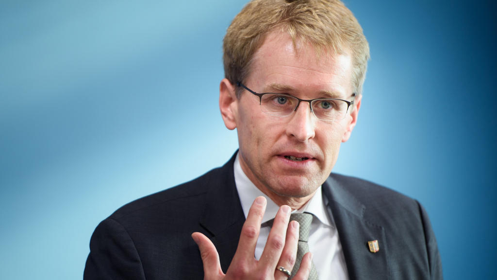 Daniel Günther (CDU), Ministerpräsident von Schleswig-Holstein, nimmt an einer Pressekonferenz im Landeshaus Kiel teil.