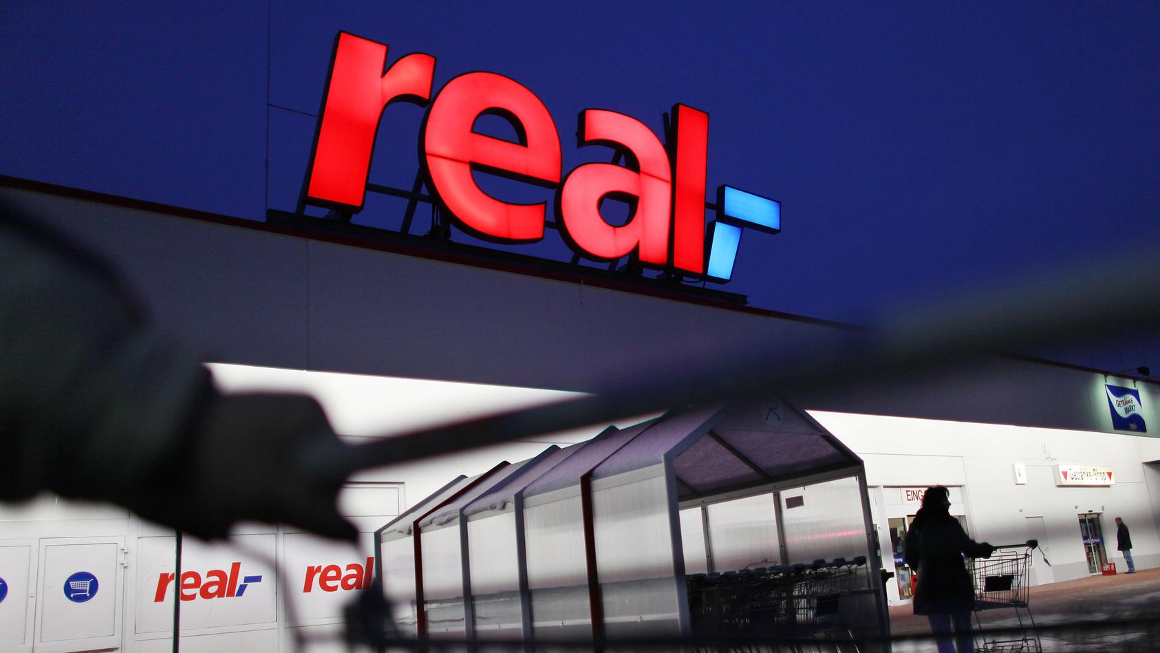 Real steht vor dem Aus. Die Märkte werden zerschlagen und zum Teil von Kaufland, Edeka und Co. übernommen.