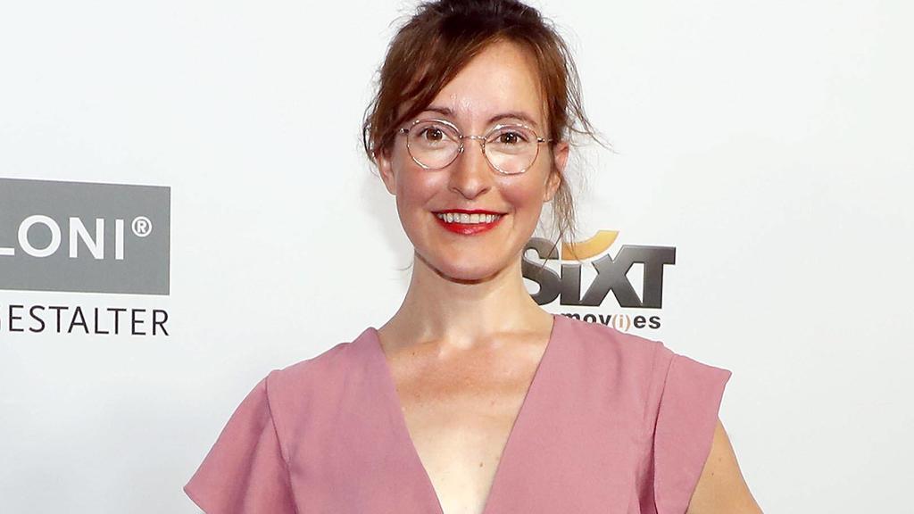 Maike von Bremen hatte ihren Durchbruch mit GZSZ und war in den letzten Jahren in kleineren Rollen zu sehen.