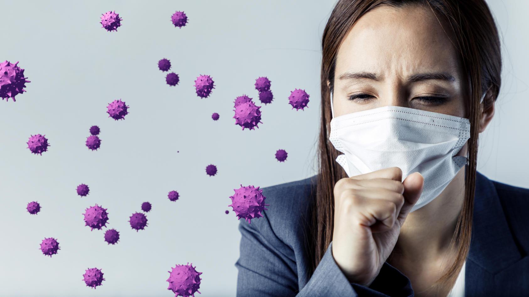 Das Coronavirus wird im Wesentlichen über Aerosole übertragen. Dabei gibt es aber unterschiedliche Wege der Infektion.