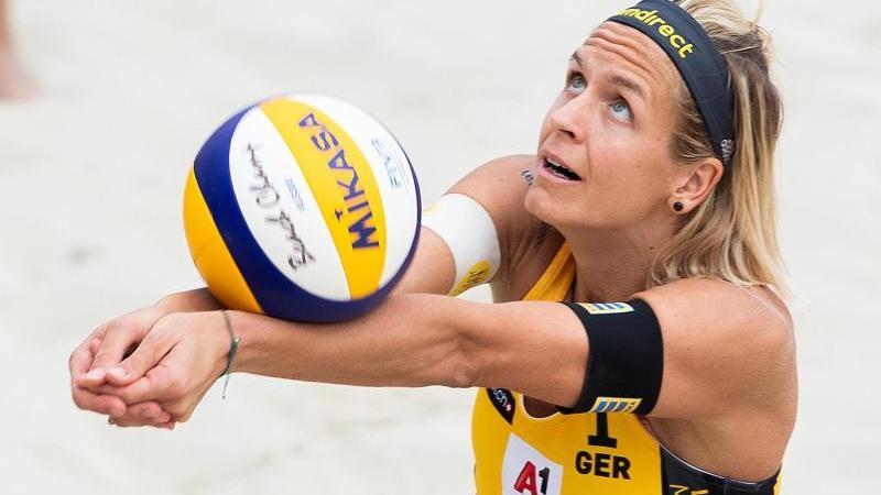 Laura Ludwig aus Deutschland in Aktion. Foto: Georg Hochmuth/APA/dpa/Archivbild