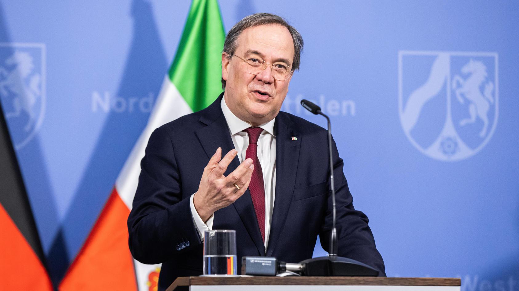 News Bilder des Tages Coronavirus - Landesregierung NRW Armin Laschet (CDU), MinisterprÃ…Â¡sident von Nordrhein-Westfalen,