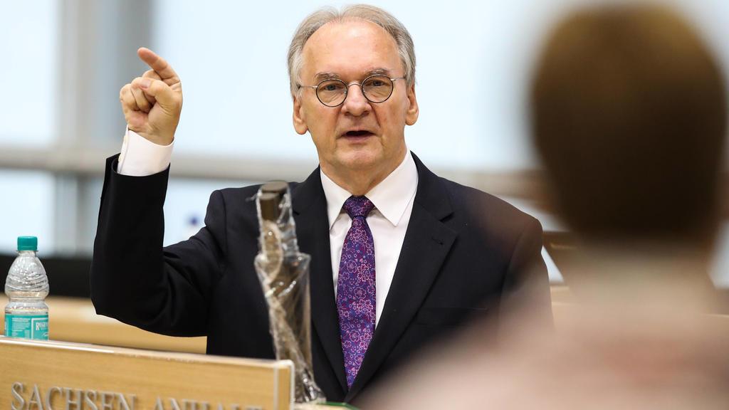 Ministerpraesident Dr. Reiner Haseloff CDU,Sachsen Anhalt - Landtagssitzung im Landtag von Sachsen Anhalt.