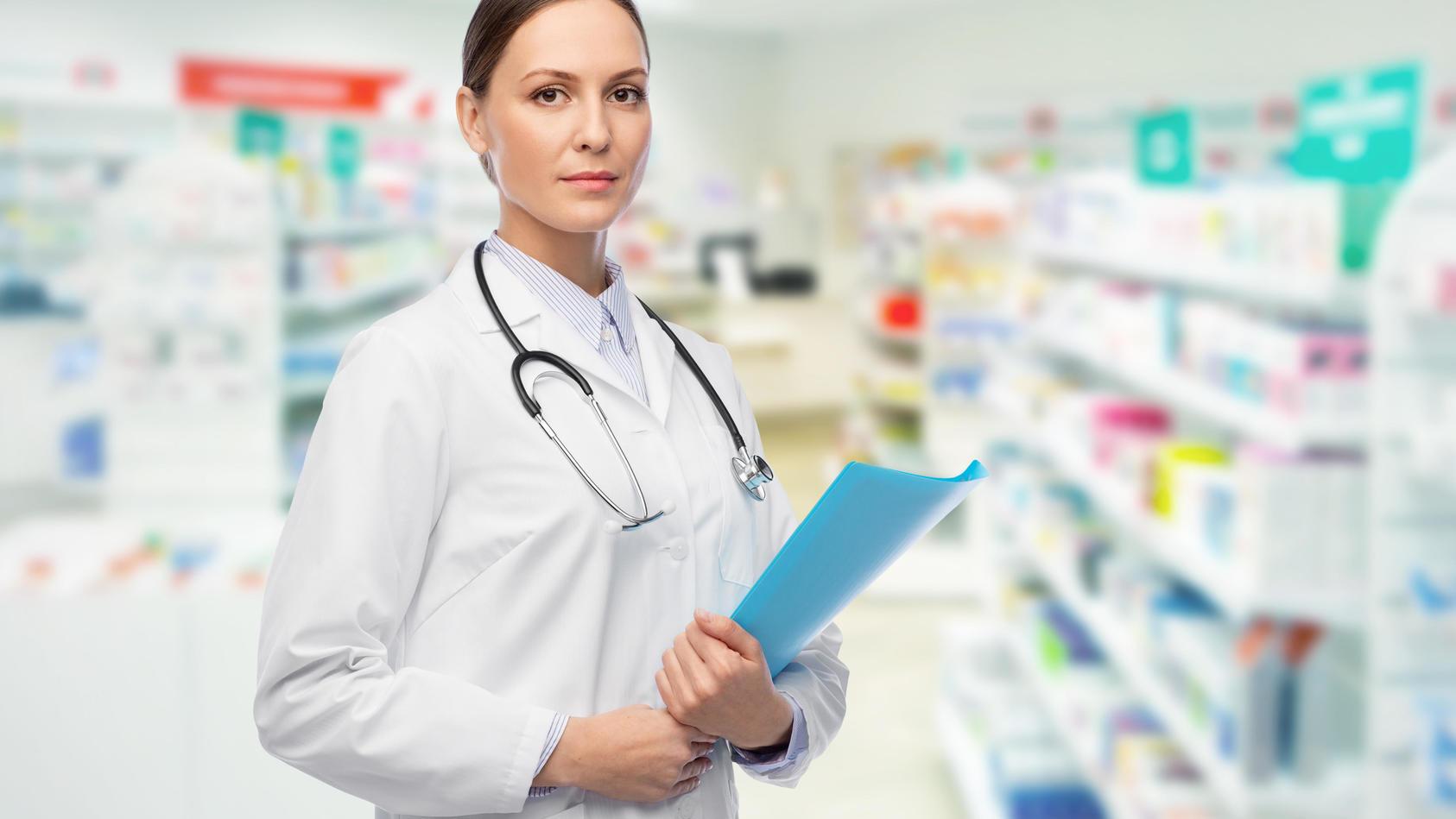 Ärztinnen und Ärzte sind weiter die Topverdiener in Deutschland.