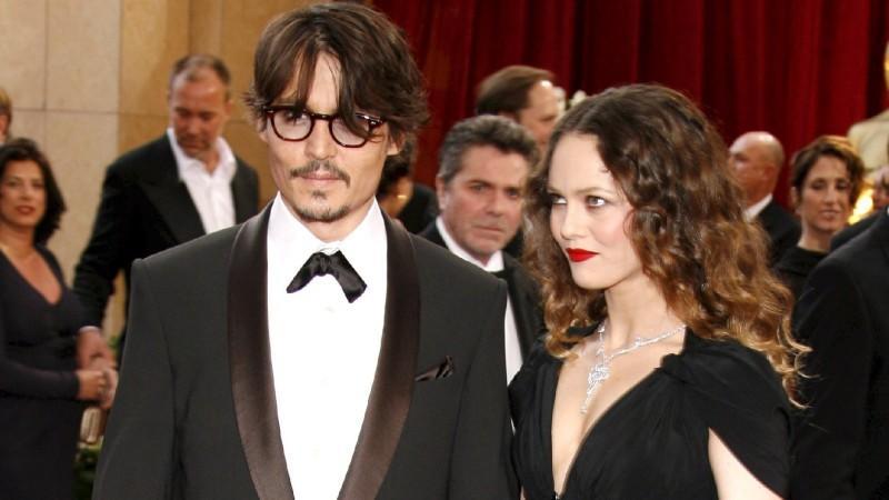 Vanessa Paradis soll Johnny Depp vor die Tür gesetzt haben, weil der zu viel Party machte.