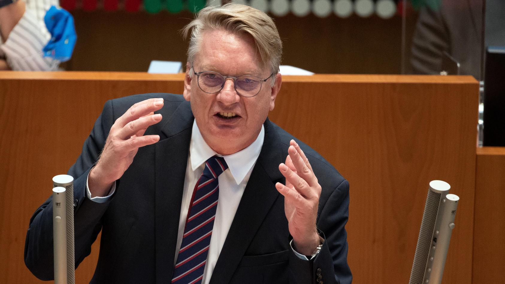 Markus Wagner - der Fraktionschef der NRW-AfD hat sich und Familienmitglieder gegen das Corona-Virus impfen lassen.