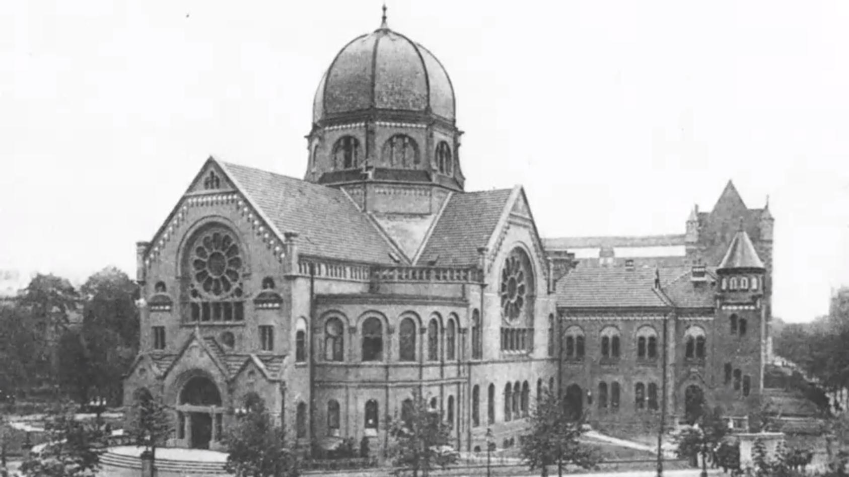 Die Bornplatzsynagoge in Hamburg vor der Zerstörung