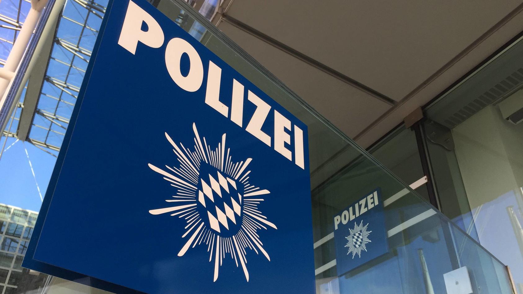 Ein Beamter der Polizei München soll sein Stiefkind missbraucht haben.