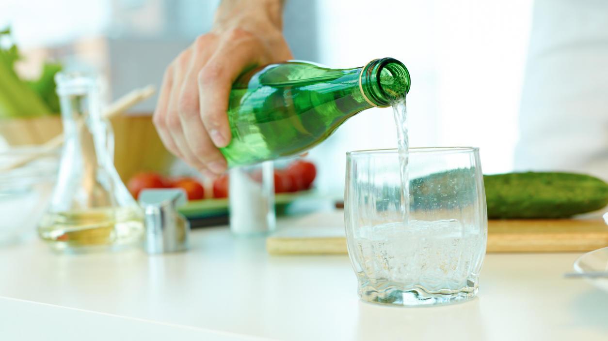 Mineralwasser oder Sprudelwunder lässt sich für Haushalt, Garten und Schönheit nutzen.