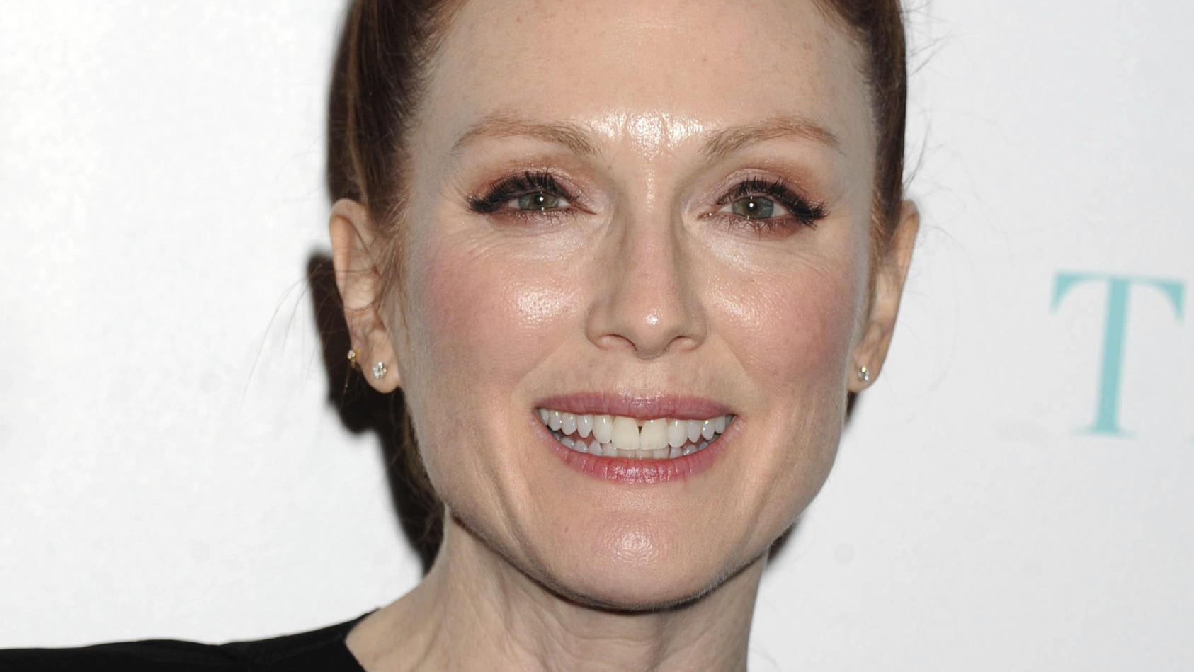 Julianne Moore sieht auch ohne Make-up toll aus.