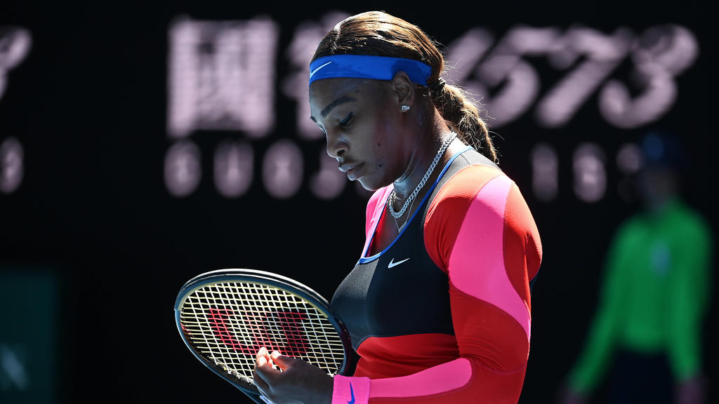 TENNIS AUSTRALIAN OPEN, Serena Williams of the United States reacts during her Women s singles semifinals match against Naomi Osaka of Japan on Day 11 of the Australian Open at Melbourne Park in Melbourne, Thursday, February 18, 2021.  ACHTUNG: NUR