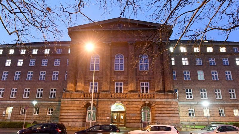 Am Landgericht Kiel wird heute über die Tat verhandelt.