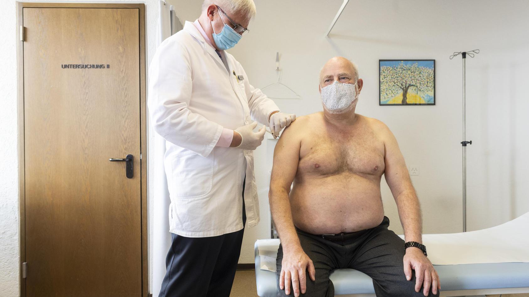 Ab April kann man sich bei seinem Hausarzt gegen Corona impfen lassen.