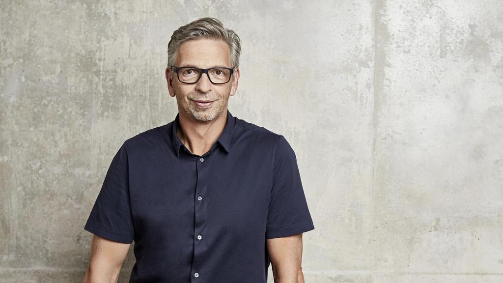 RTL-Unterhaltungschef Kai Sturm dankt Dieter Bohlen