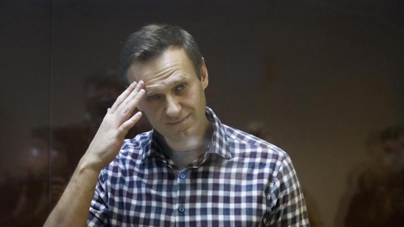 Bereits drei von Nawalnys Mitgefangenen seien wegen Tuberkulose in ein Krankenhaus gebracht worden.