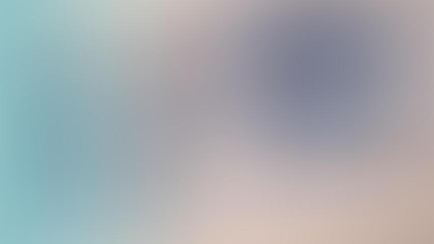 Farbige Wimperntusche bringt die Augen zum Strahlen.