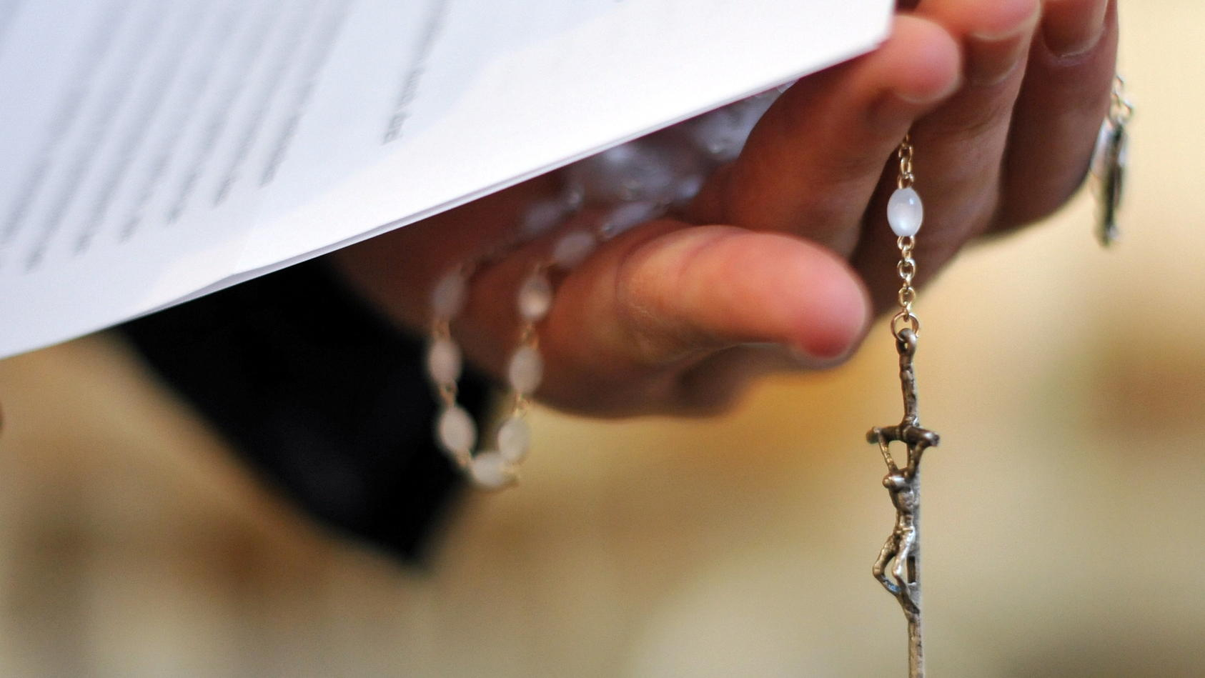 Immer mehr Christen treten aus der Kirche aus. Alleine im Jahr haben über eine halbe Millionen der Kirche abgedankt. (Symbolbild)