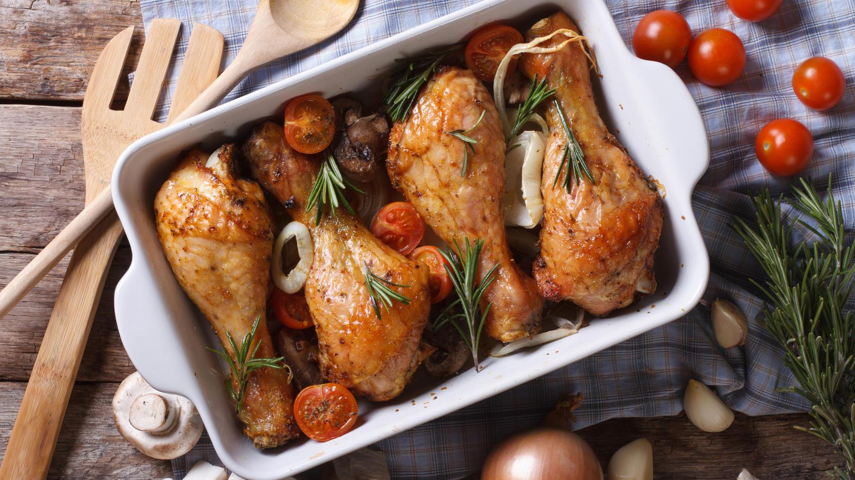 Stiftung Warentest hat die Qualität von Hähnchenschenkeln überprüft.
