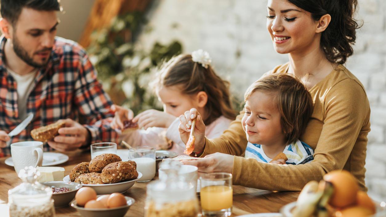 Mit ein paar Tricks zaubern Sie ein vielseitiges Osterfrühstück.