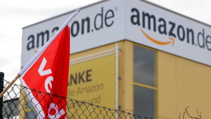 Verdi ruft an sechs Amazon-Standorten zum Streik auf. Foto: Jan Woitas/dpa-Zentralbild/dpa