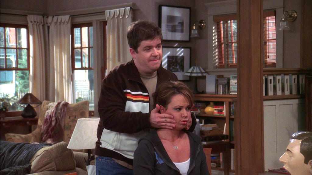 """Spence (Patton Oswalt) und Carrie (Leah Remini) in """"King of Queens"""""""