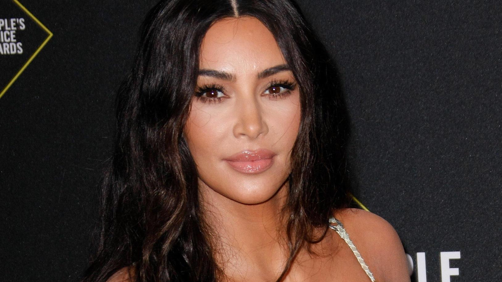 Kim Kardashian ist wieder Single - und nutzt das aus