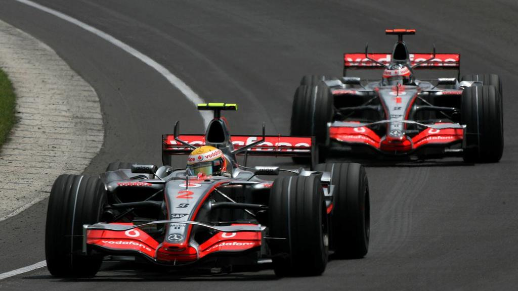 17.06.2007 Indianapolis, USA, Lewis Hamilton (GBR), McLaren Mercedes, MP4-22 leads Fernando Alonso (ESP), McLaren Mercedes, MP4-22 - Formula 1 World Championship, Rd 7, United States Grand Prix, Sunday Race - www.xpb.cc, EMail: info@xpb.cc - copy of