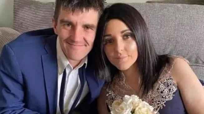Lizzy Evans heiratet kurz vor ihrem Tod ihre Jugendliebe Joshua.
