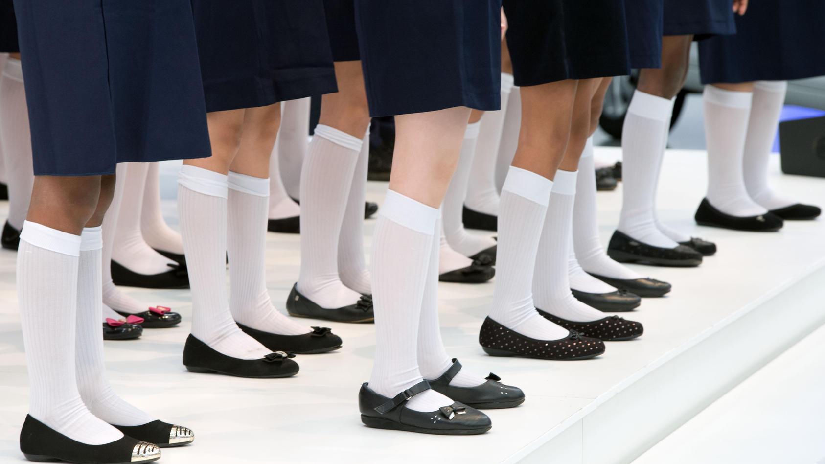 Skandal an Privatschule: Mädchen mussten knien, um Rocklänge messen zu lassen (Symbolbild).