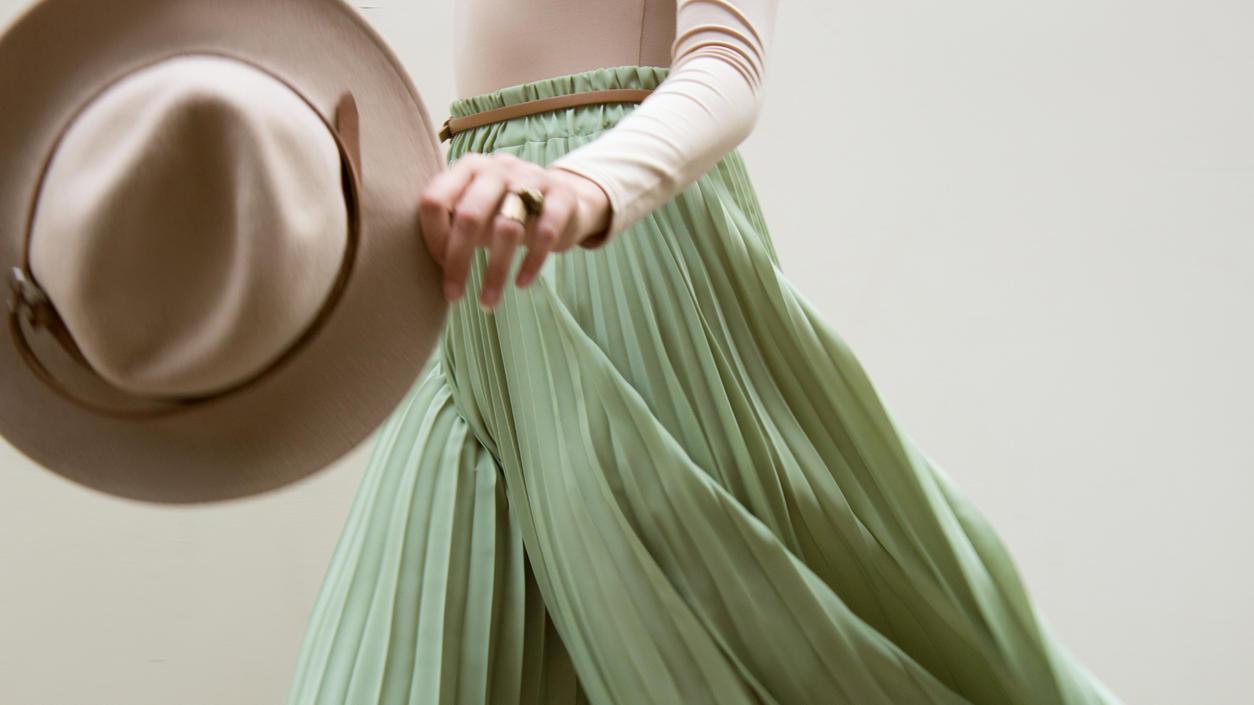 Grün gehört zu den Trendfarben des Jahres - so stylen Sie die Farbe!
