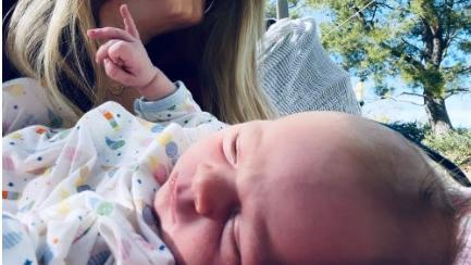 Hilary ist zum dritten Mal Mama geworden