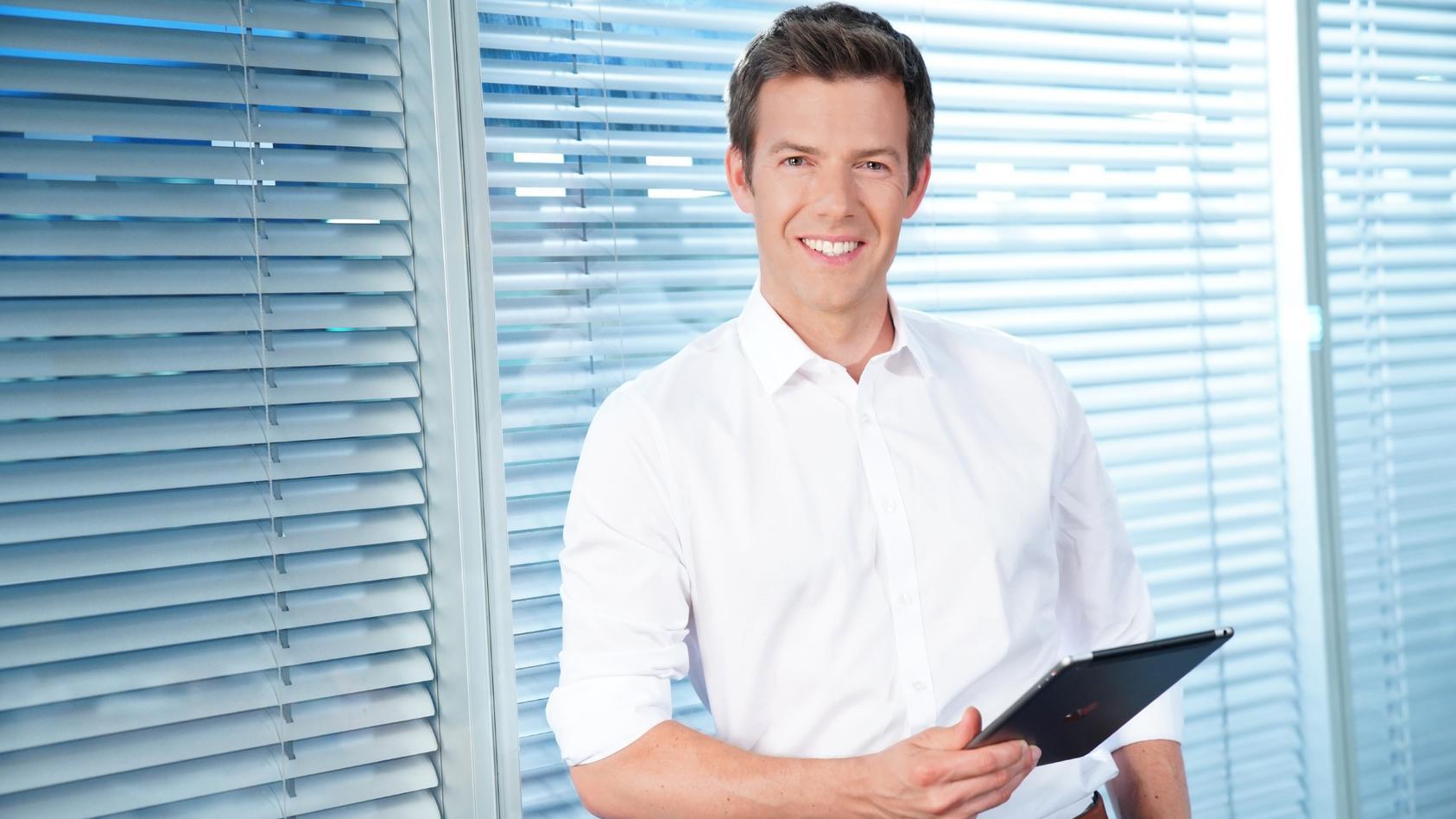 RTL Aktuell Sondersendung mit Moderator Maik Meuser