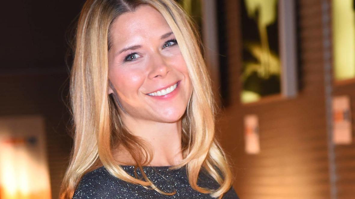 Gleich doppelt Grund zur Freude für Tanja Szewczenko (43): Die ehemalige AWZ-Schauspielerin hat Zwillinge bekommen.