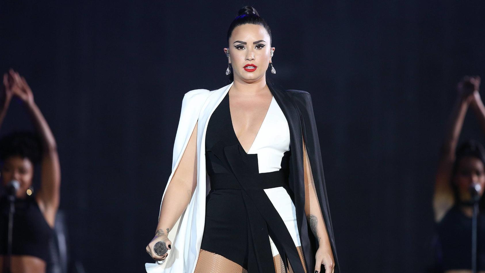 Sängerin und Schauspielerin Demi Lovato zeigt sich in einem neuen Look