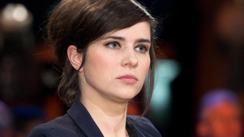 Schauspielerin Nora Tschirner in einer Talkshow. Foto: picture alliance / dpa