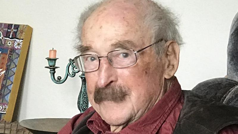 Der Schriftsteller Walter Kaufmann, der unter anderem in der DDR und in Australien lebte, ist im Alter von 97 Jahren verstorben. Foto: -/Privat/Karin Kaper Film/dpa