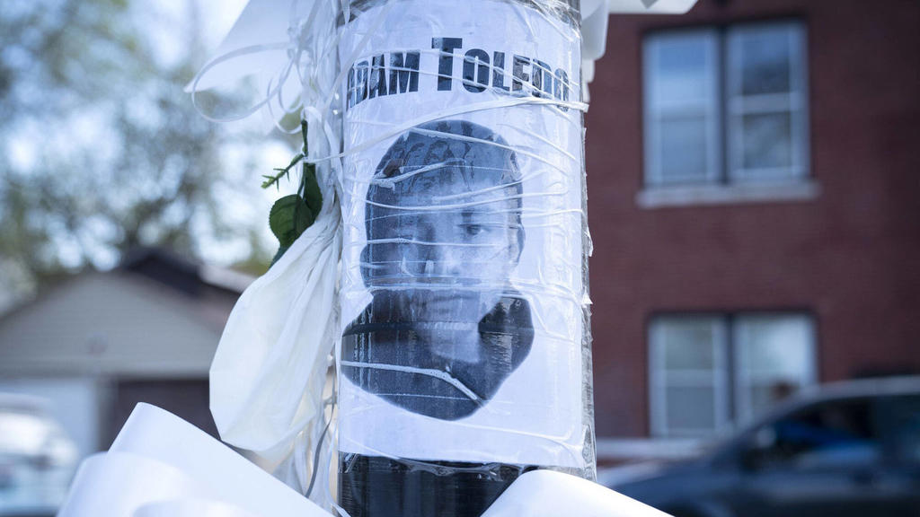 April 15, 2021: An image of Adam Toledo appears at a memorial site on Thursday, April 15, 2021, near where he was fatally shot by Chicago police in the Little Village neighborhood. - ZUMAm67_ 20210415_zaf_m67_090 Copyright: xE.xJasonxWambsgansx