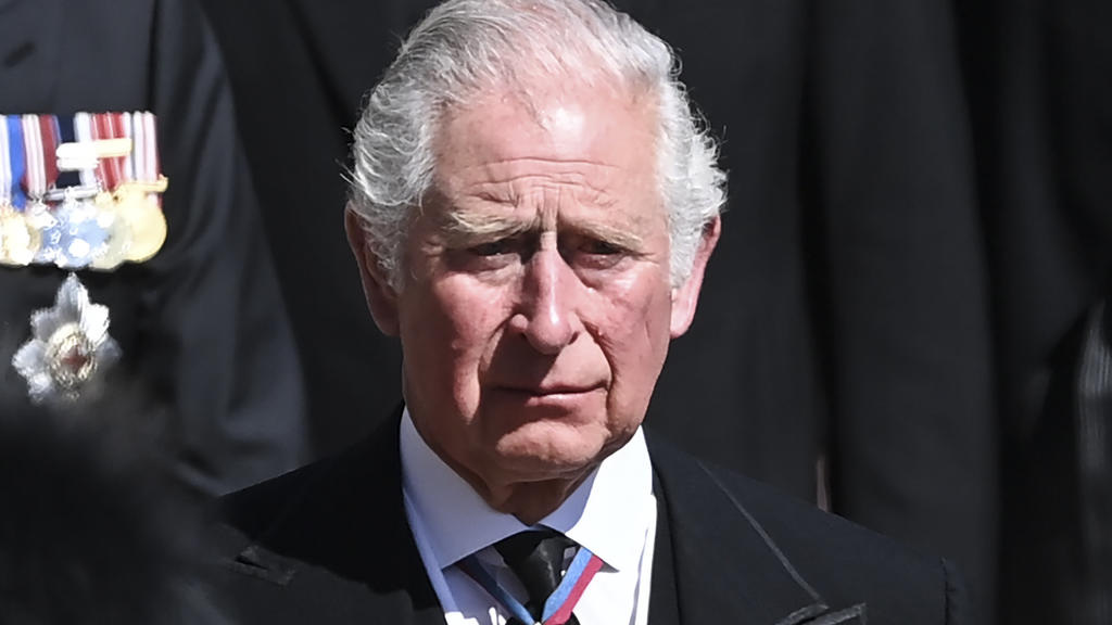 Prinz Charles ist bei der Beerdigung seines Vaters zu Tränen gerührt