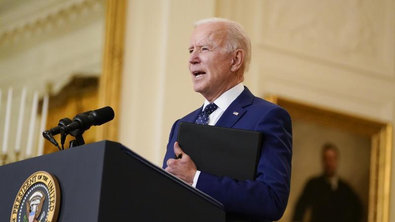 US-Präsident Joe Biden ist erstmals in seiner Amtszeit zum Golfspielen gegangen. Foto: Andrew Harnik/AP/dpa