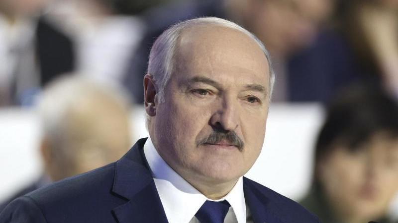 Wirft der Opposition vor, einen gewaltsamen Umsturz zu planen: Alexander Lukaschenko. Foto: Pavel Orlovsky/BelTa/AP/dpa/Archiv
