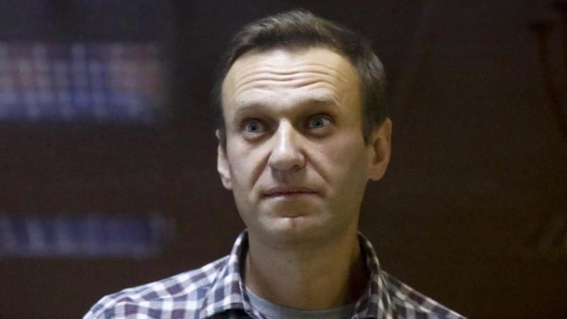 Hatte im August einen Mordanschlag mit dem Nervengift Nowitschok überlebt und war in Deutschland behandelt worden: Alexej Nawalny. Foto: Alexander Zemlianichenko/AP/dpa/Archiv