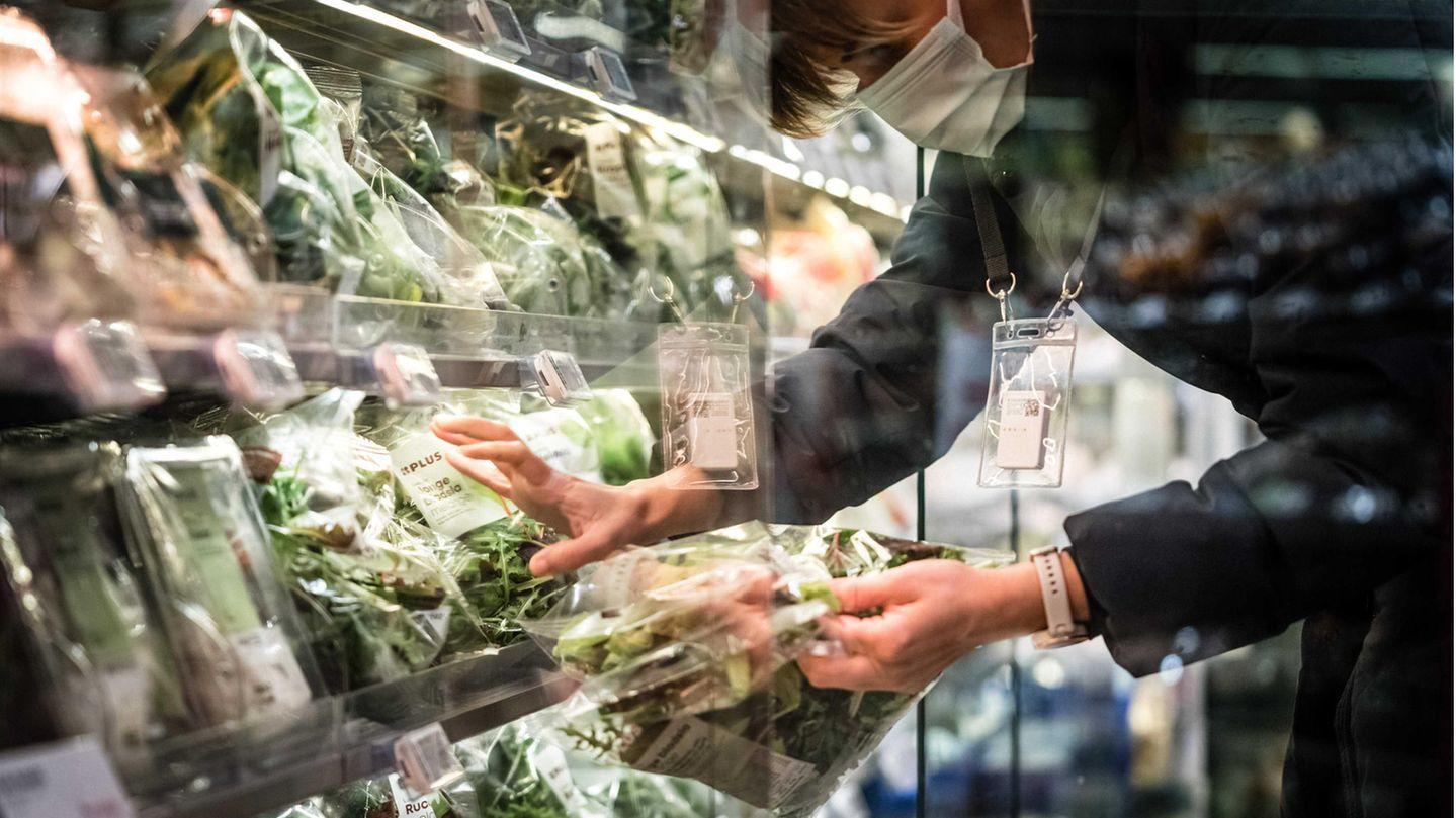 Gesunde Lebensmittel werden in einer niederländischen Supermarktkette künftig auf Augenhöhe platziert.